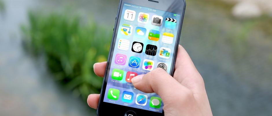 Apple anuncia beneficios récord con unas ventas de iPhone estancadas