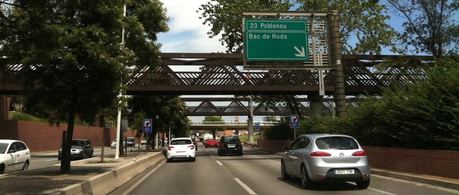 Barcelona estudia prohibir la circulación de vehículos de más de 20 años en el área metropolitana